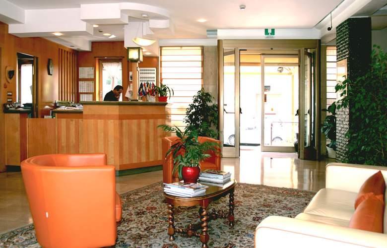 Derby - Hotel - 3