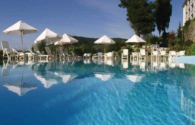 Golden Tulip Caramulo Hotel & SPA - Pool - 3