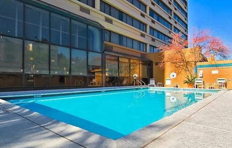 Courtyard Austin-University Area - Hotel - 17