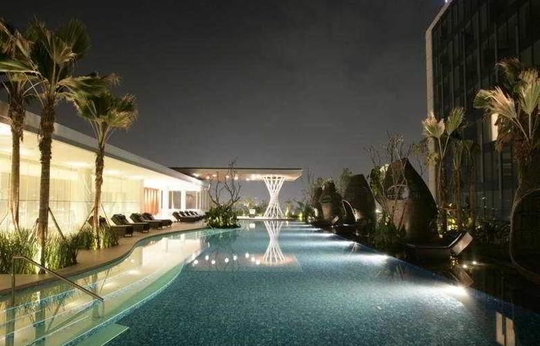 Hilton Bandung - Pool - 4