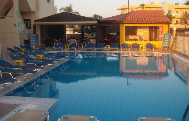 Villa Diasselo - Pool - 24