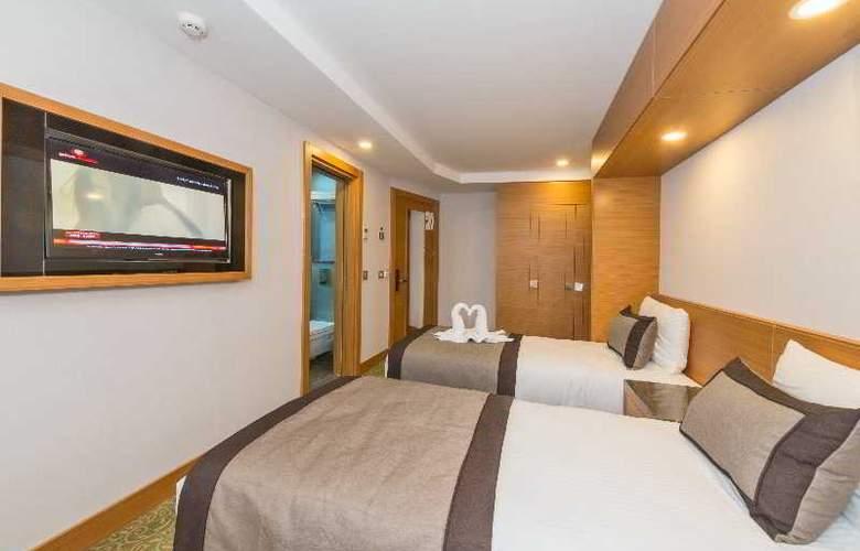 Bisetun Hotel - Room - 8