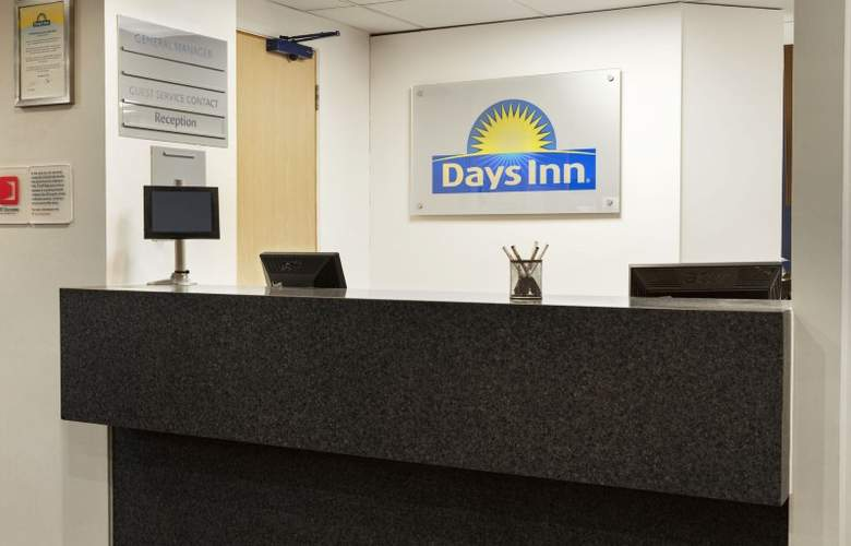 Days Inn London Stansted Airport - General - 1