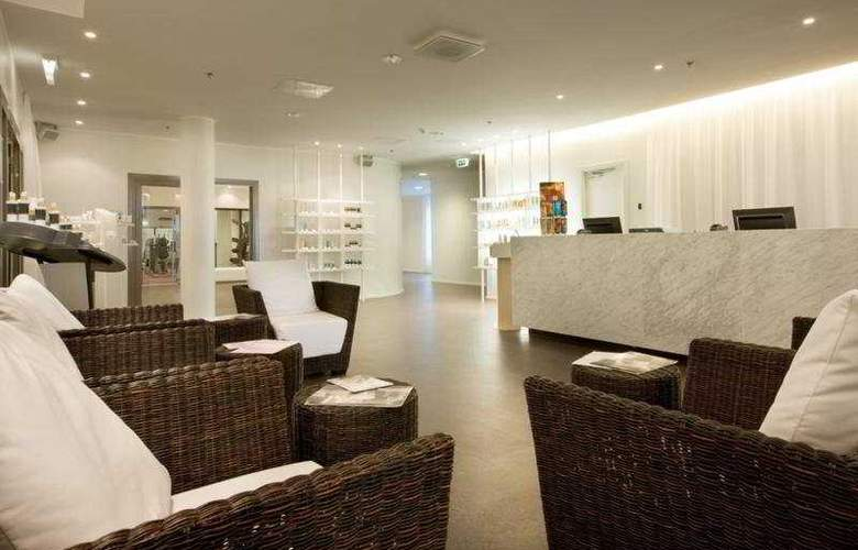 Park Inn by Radisson Meriton Conference & Spa Hotel Tallinn - Pool - 5