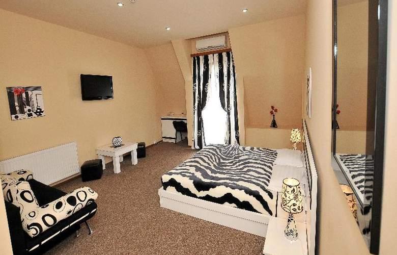 Diplomat Hotel - Room - 34