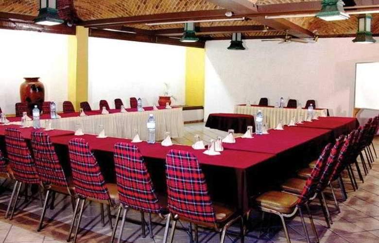 Villa del Sol and Suites - Conference - 9