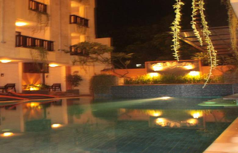 The Losari Hotel and Villas - Pool - 10