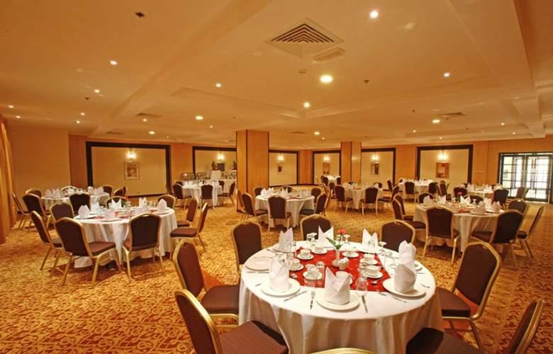 London Suites - Restaurant - 8