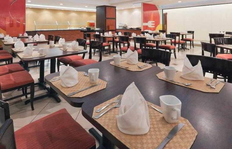 Holiday Inn San Salvador - Restaurant - 21