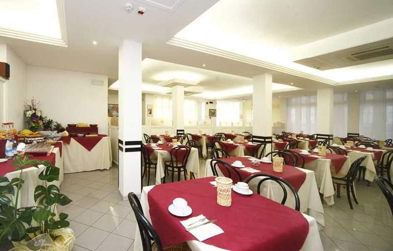 Sport Hotel - Restaurant - 10