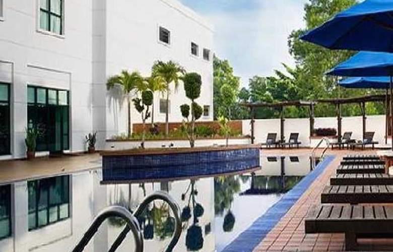 Vistana Hotel Kuantan - Pool - 12