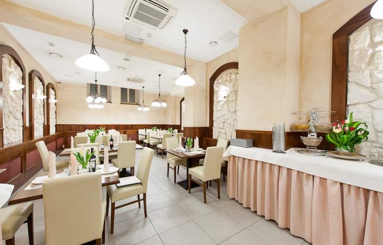 Alexander II - Restaurant - 7