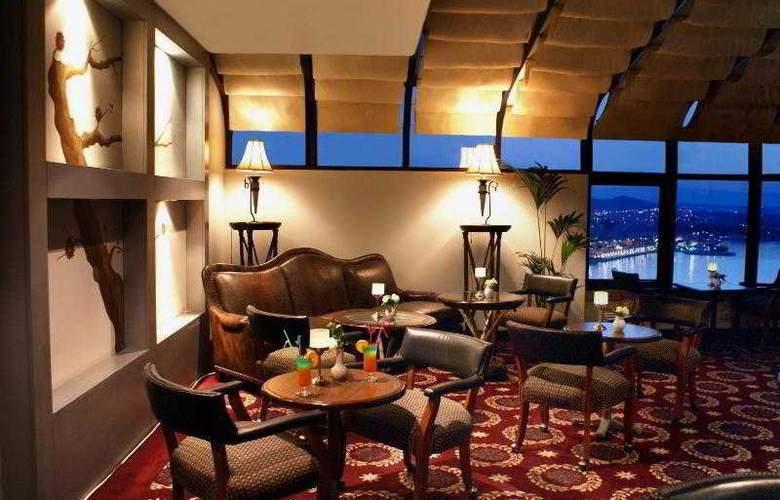 Sheraton Cesme Resort Hotel & SPA - Bar - 31