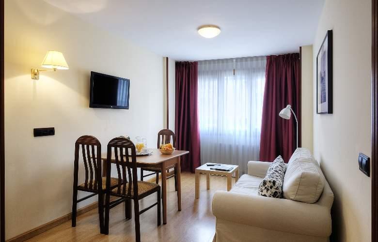 Arias Apartamentos (Anexo) - Room - 3