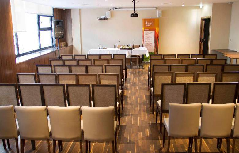 Santa Eulalia - Conference - 21