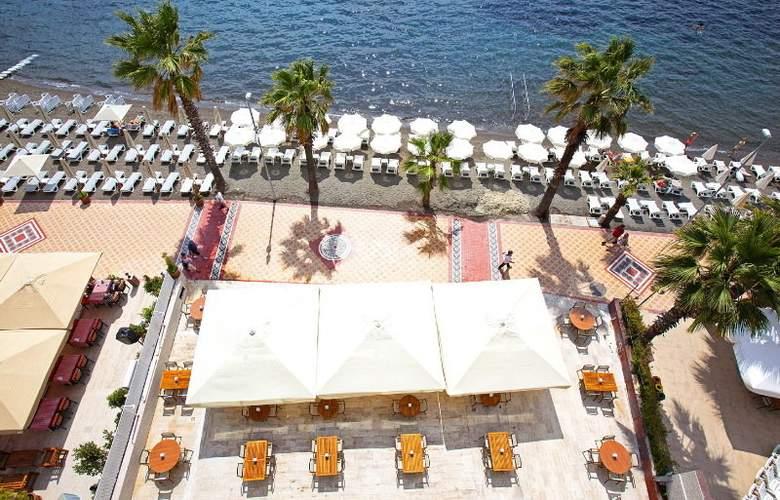 Sol Beach Hotel - Terrace - 8