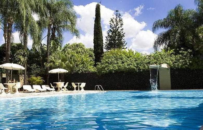 Nacional Plaza Inn - Pool - 3