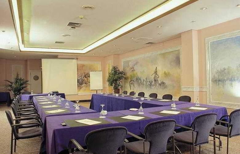 Los Arcos - Conference - 5