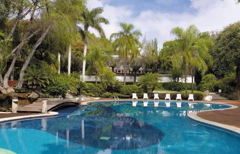 Camino Real Sumiya - Pool - 11