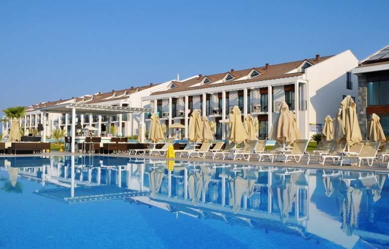 Jiva Beach Resort Fethiye - Pool - 16