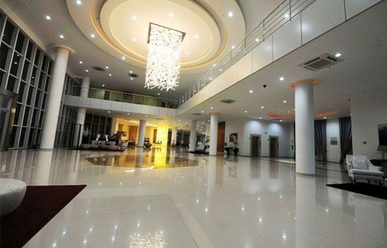 Ritz Victoria Garden - Hotel - 10