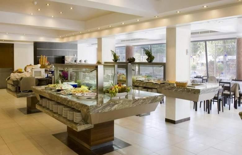 Fergus Bermudas - Restaurant - 74