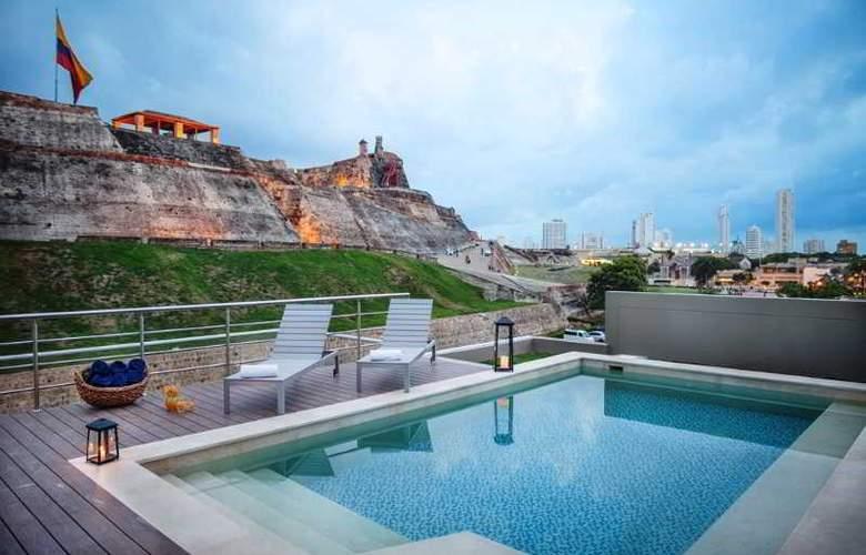 San Lazaro Art Style - Pool - 1