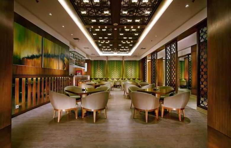 Grand Whiz Kelapa Gading - Restaurant - 32