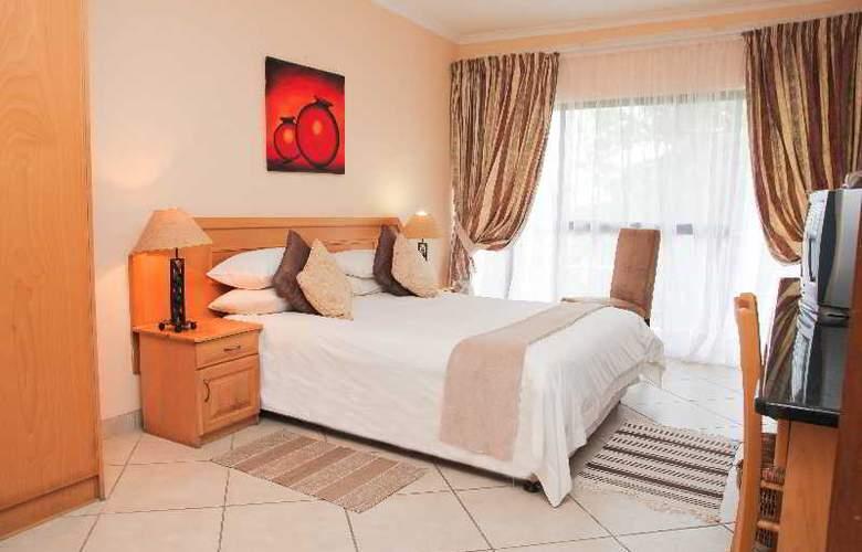 Elephant Lake Hotel - Room - 6