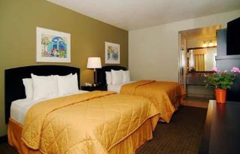 Comfort Inn & Suites Near Folsom Lake - Room - 4