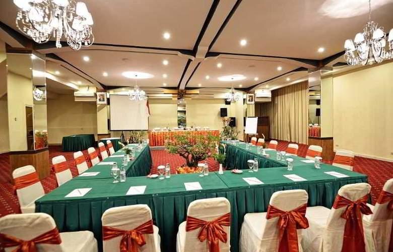 Wina Holiday Villa - Conference - 17