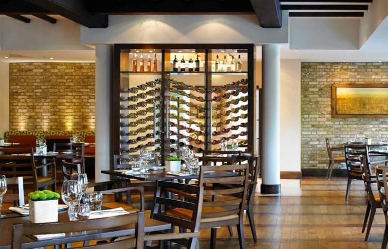 Marriott Tudor Park Hotel & Country Club - Bar - 13