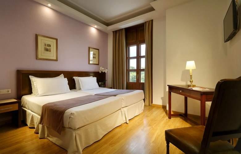 Triunfo Granada - Room - 8
