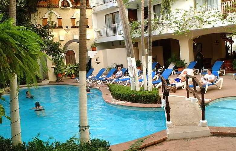 Los Arcos Suites - Pool - 3