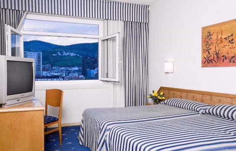 Ilunion Bilbao - Room - 9