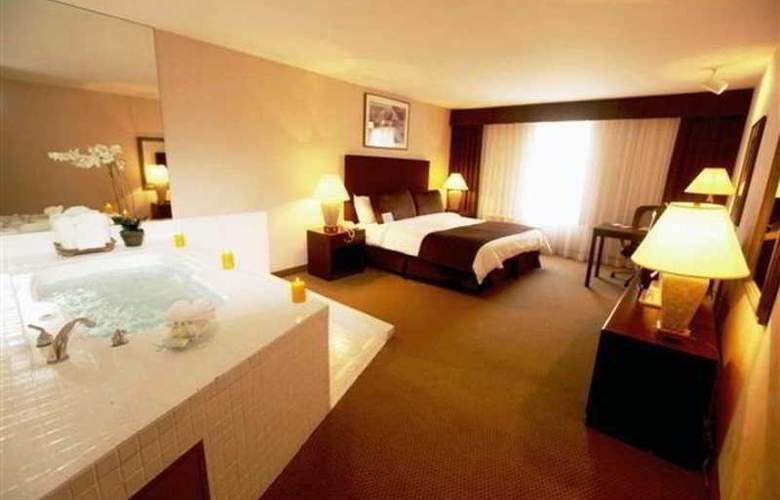 Airtel Plaza - Room - 7