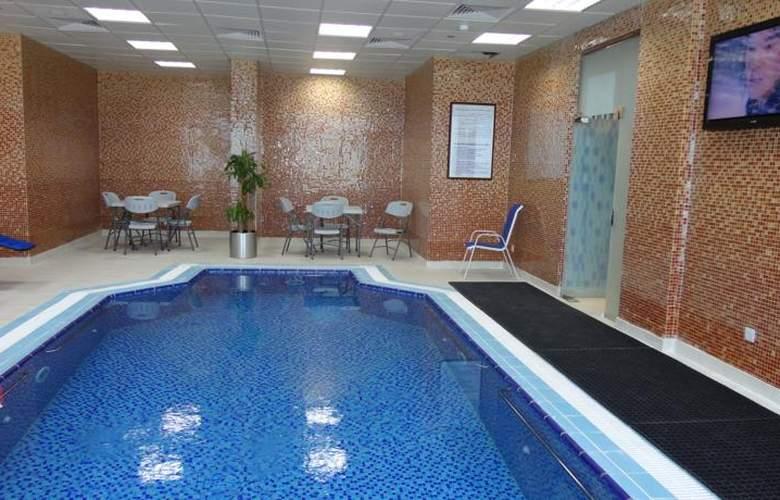 Golden Tulip Al Jubail - Pool - 12