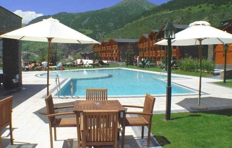 Nordic Hotel - Pool - 5