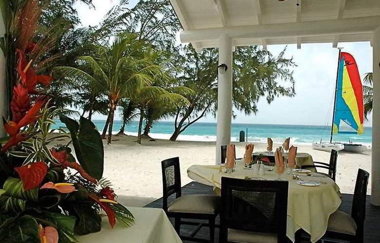 Almond Casuarina Beach Resort All Inclusive - Terrace - 8