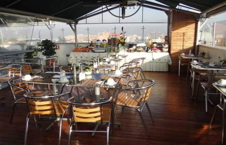 Hotel Platinum Suite - Restaurant - 3