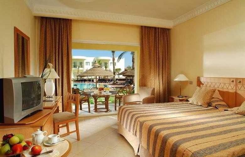 Sierra Hotel - Room - 5