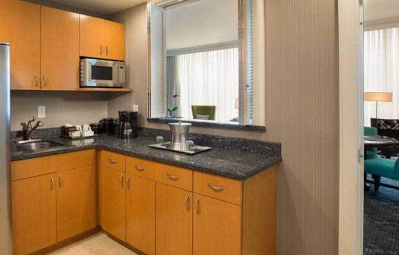 Courtyard By Marriott Fort Lauderdale Beach - Room - 21