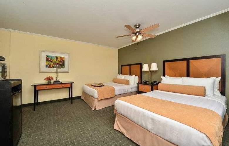 Best Western Plus St. Charles Inn - Hotel - 30