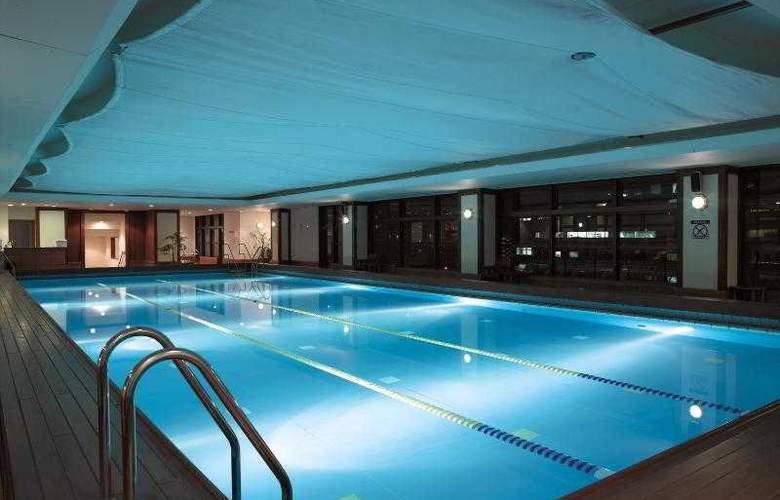 Kobe Bay Sheraton Hotel and Towers - Pool - 43