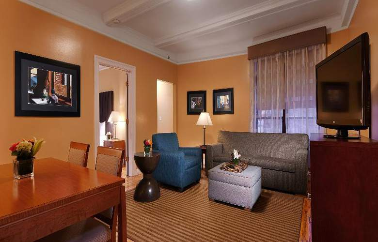 Best Western Plus Hospitality House - Apartments - Room - 5
