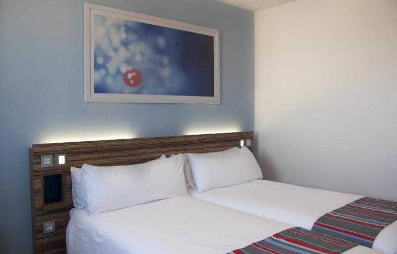 Travelodge Barcelona Poblenou - Room - 5