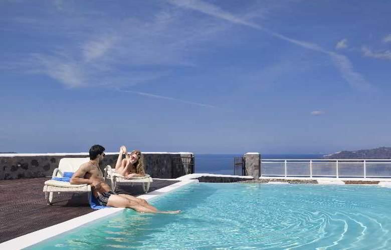 Thermes Luxury Villas - Pool - 32