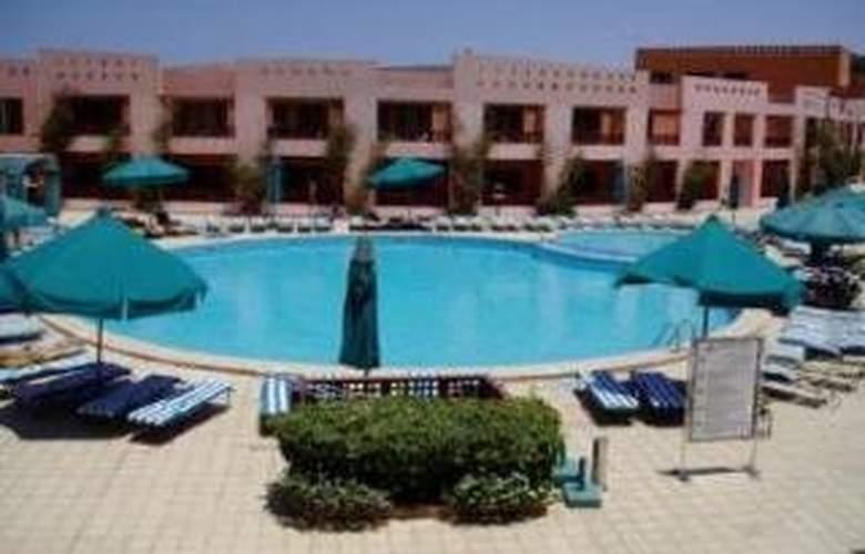 Diamond Beach - Pool - 3