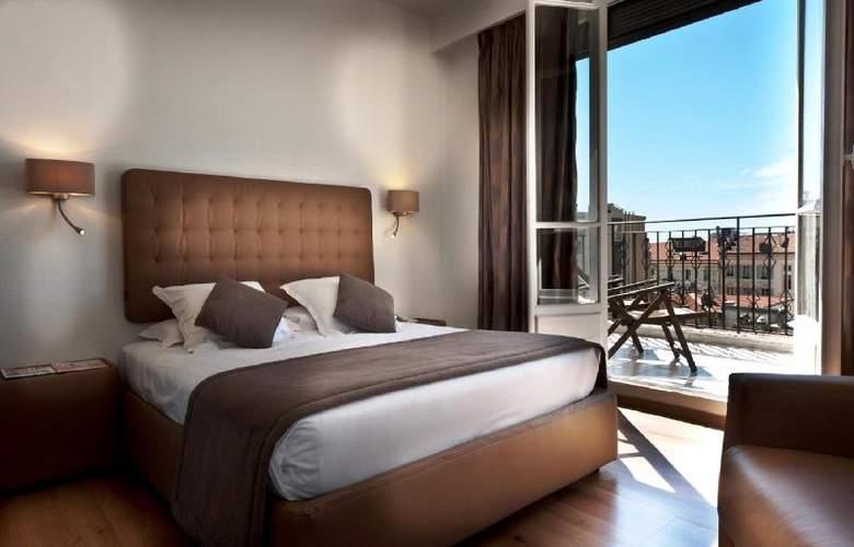 Quality Suites La Malmaison - Room - 6