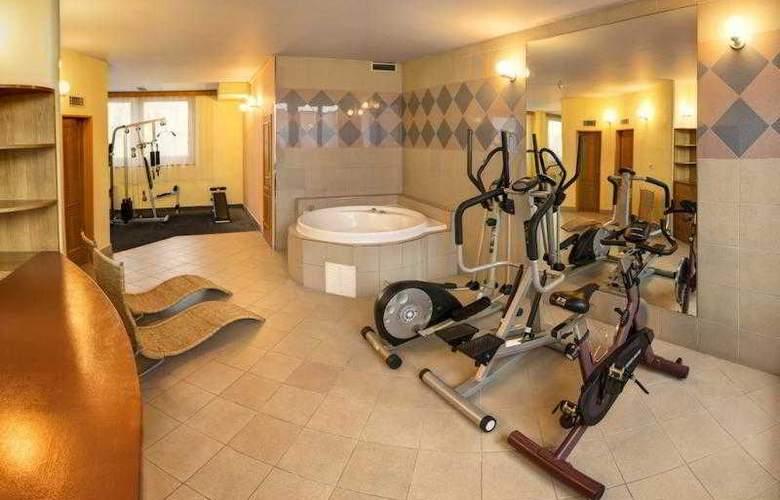 Luxury Family Hotel Bílá Labut - Sport - 81